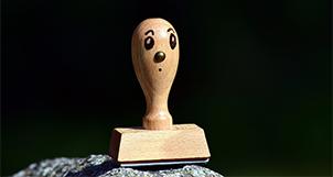 Tampon en bois comique